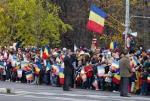 mulţimea la paradă